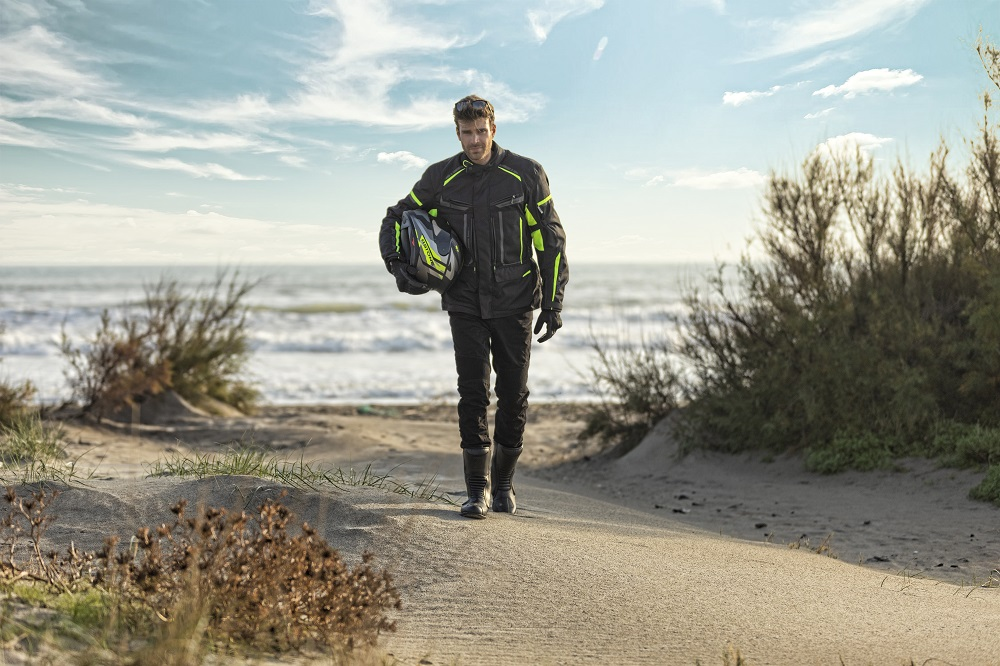 CP : veste moto X-track VQuattro design