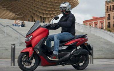 PRUEBA DE LA MOTOCICLETA YAMAHA NMAX 125 CON EL CASCO ELEKTRON